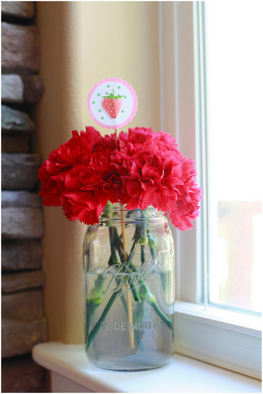 Mason Jar centerpiece - strawberry shortcake